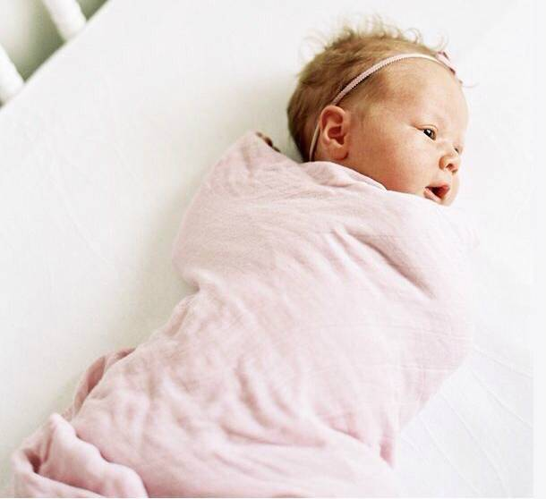 Можно ли новорожденному спать на животе ночью