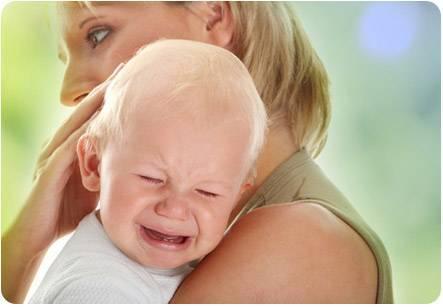 Плачет в конце кормления..