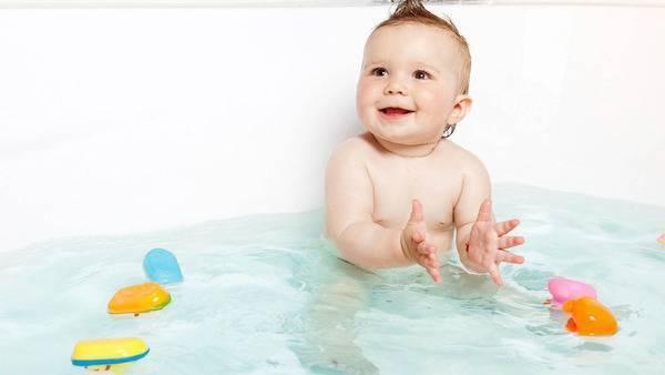 Первое купание. как купать ребенка