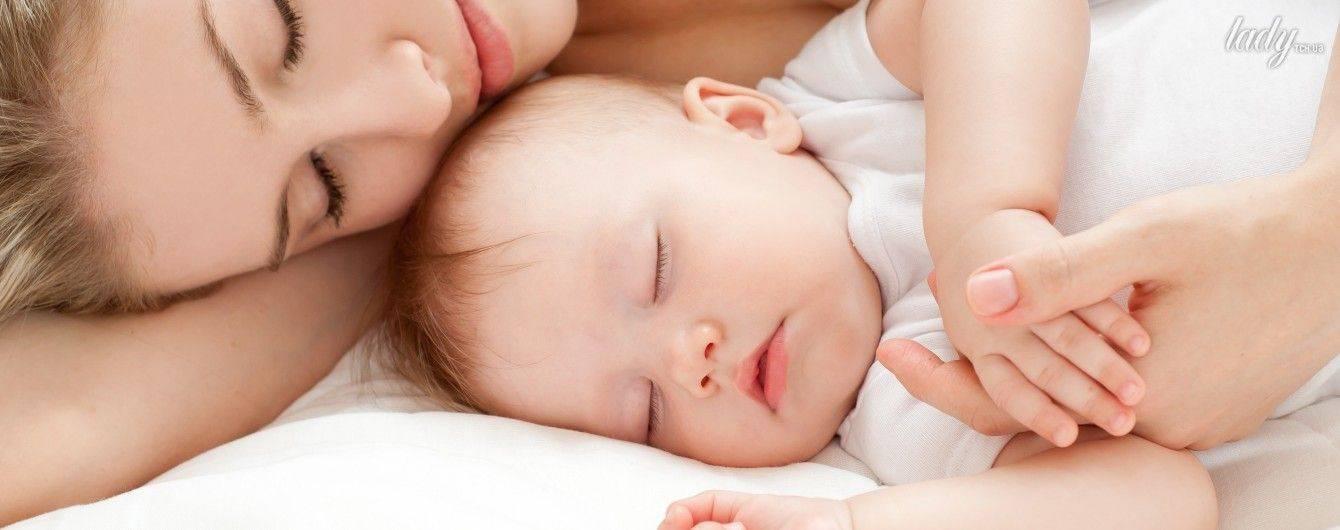 Стоит ли переживать, если ребенок вздрагивает во сне