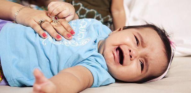 Кто все время плачет, что все это значит? маленькая энциклопедия детского плача