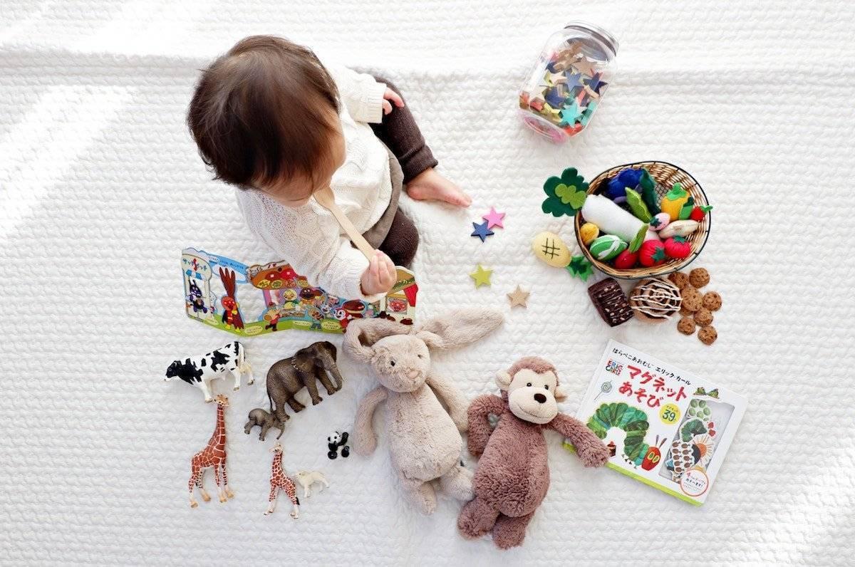 Что подарить мальчику на один год? 39 фото: какой подарок можно сделать на год, полгодика