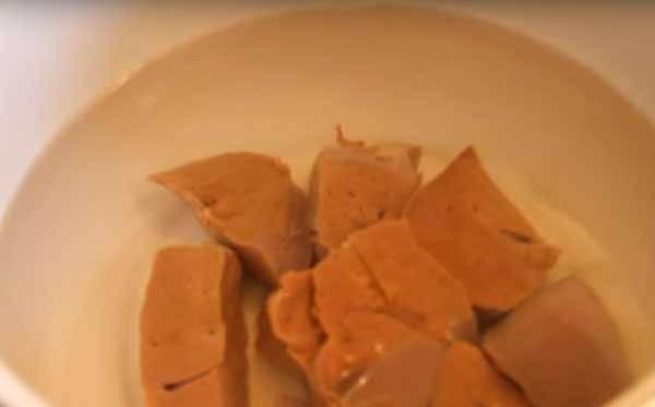 Какое мясное пюре для первого прикорма выбрать грудному ребенку в домашних условиях?