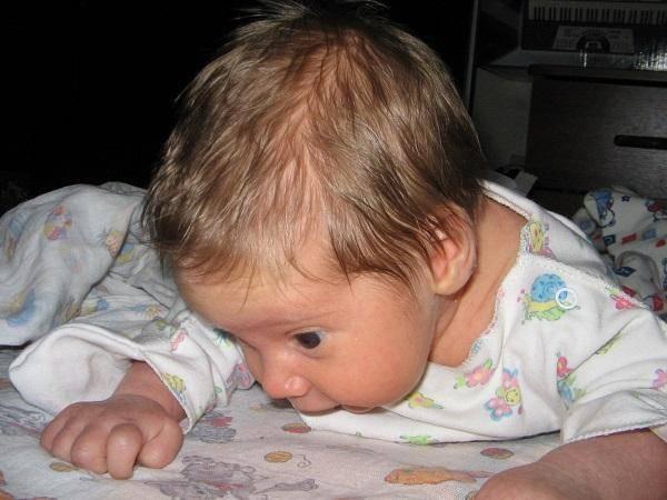 Доктор комаровский о том, почему ребенок потеет во сне