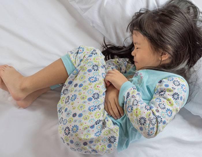 Бурление в животе у грудничка после еды и жидкий стул, как лечить, видео советы