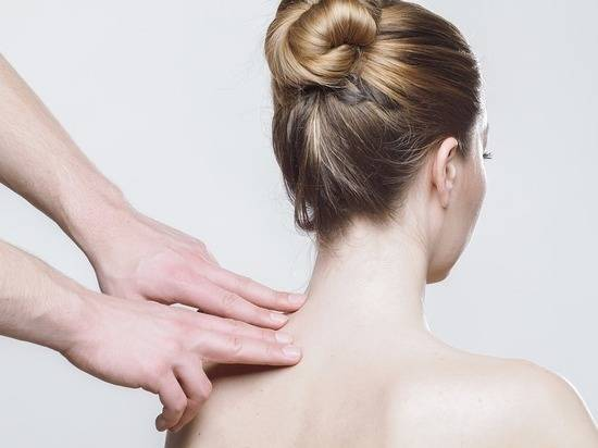 Боль в шее сзади: причины, методы лечения