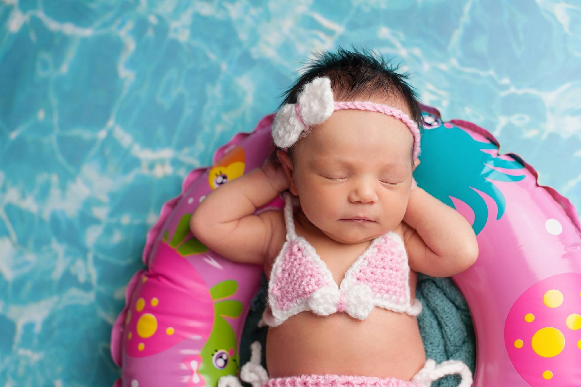 Водные процедуры: как часто купать новорожденных и детей до года?