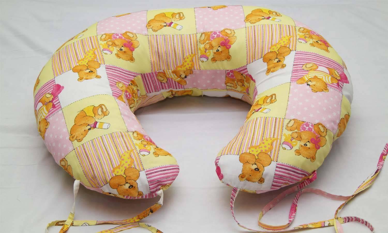 Насколько полезна подушка для кормления ребенка и как ее выбрать