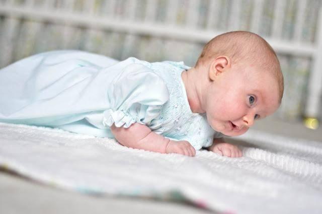 Когда ребенок гулит и агукает: первый язык новорожденных детей