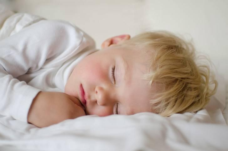 Сколько спит годовалый ребенок
