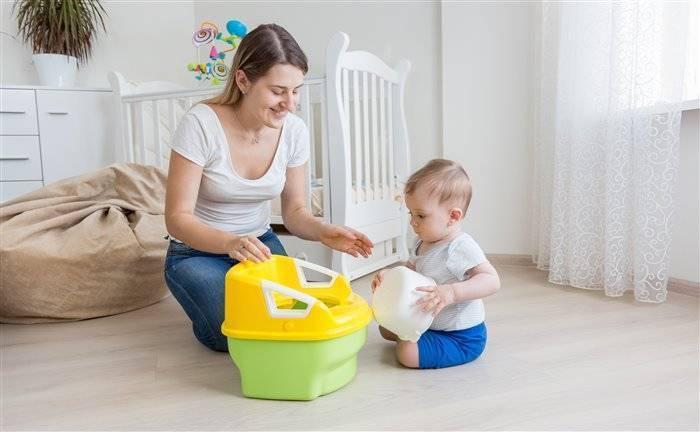 С какого возраста приучать ребенка к горшку?