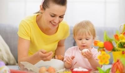 Можно ли давать ребенку перепелиные яйца, как их варить и с какого возраста вводить в прикорм?