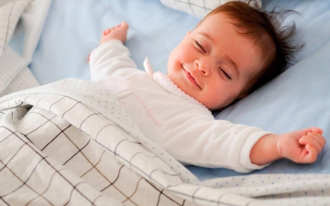 Как отучить ребенка засыпать на руках — советы родителям