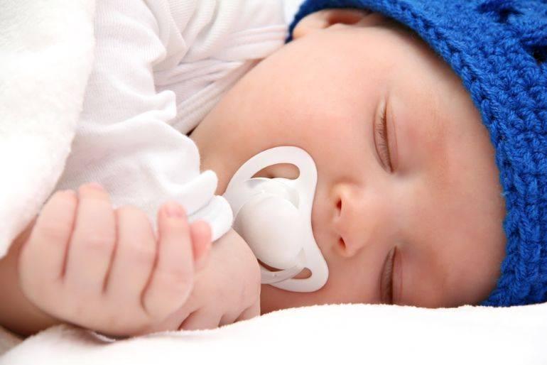 Нужно ли приучать малыша к пустышке или лучше без неё? - запись пользователя маришка - мама муся 80 уровня:) (marinad23) в сообществе грудное вскармливание в категории бутылка и соска, риски при их использовании - babyblog.ru