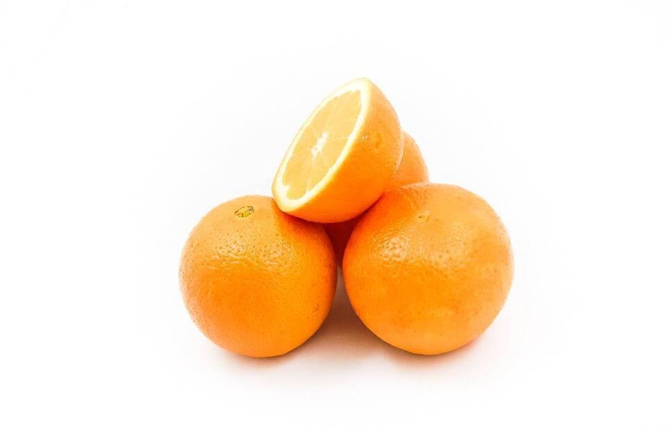 С какого возраста можно давать ребенку апельсин и сок из него?