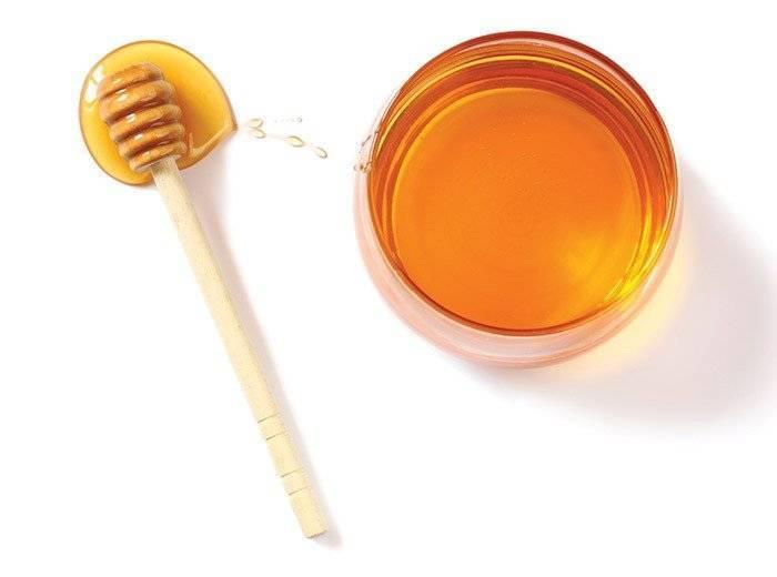 С какого возраста можно давать ребенку мед и как это правильно сделать?