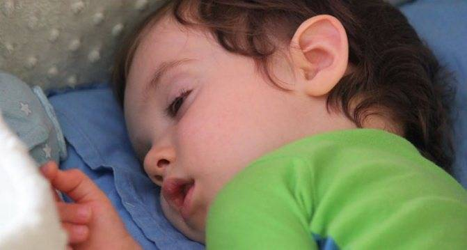 Судороги или что-то другое? - у ребёнка дёргаются глаза - запись пользователя lizz (lilith) в сообществе здоровье новорожденных в категории неврология - babyblog.ru