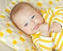 Первые звуки малыша, когда ребенок начинает агукать и гулить?
