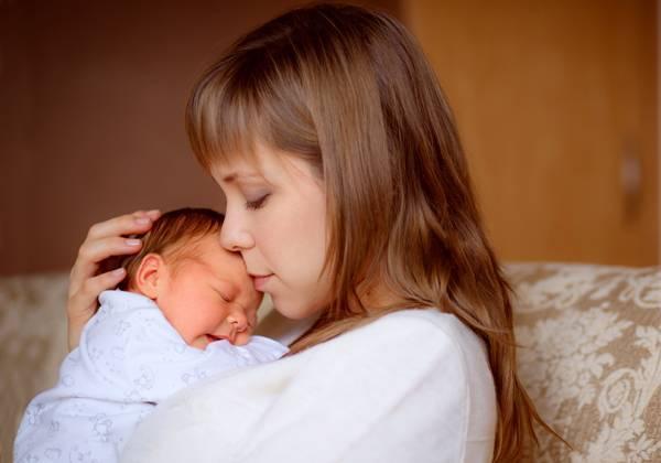 Когда проходят колики в животике у новорожденных?