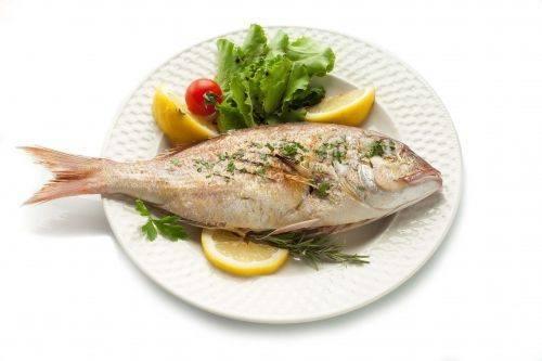 Когда вводить в прикорм рыбу для ребенка?