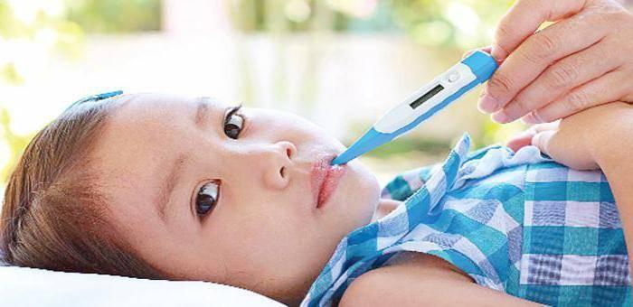 Причины и первая помощь при фебрильных судорогах у детей