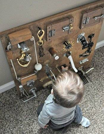 Мастерим бизиборд для мальчика своими руками: пошаговая инструкция и идеи оформления