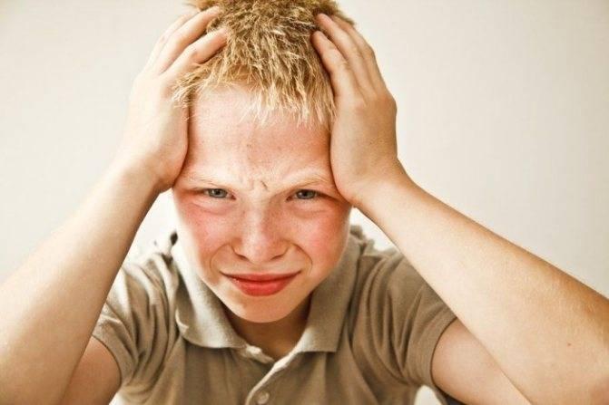 Головная боль у ребенка 8-9 лет: причины, что делать?
