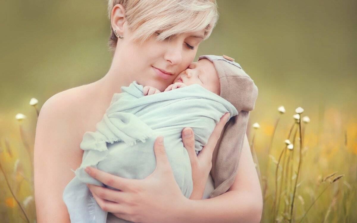 Как приучить ребенка к грудному вскармливанию?