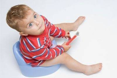 Когда бить тревогу при появлении крови в стуле у ребенка?