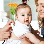 Как понять что новорожденному холодно или жарко