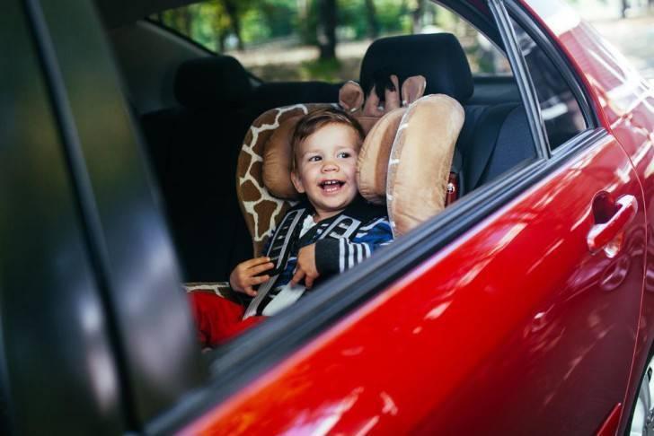 Ребенка укачивает в машине: что делать, если тошнит и рвет в транспорте