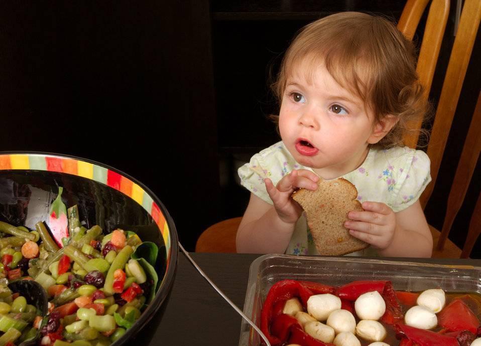 Кода можно начинать прикорм хлебом грудничка? какие сорта выбрать?