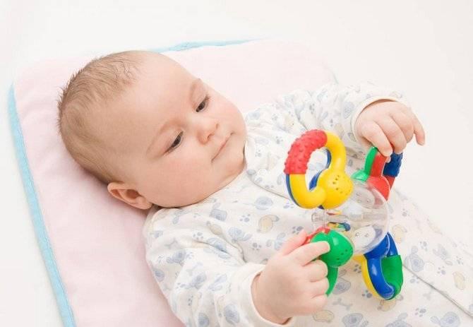 Режим дня 4 месячного ребенка: сколько он должен спать и бодрствовать, режим кормления и прочие вопросы + фото