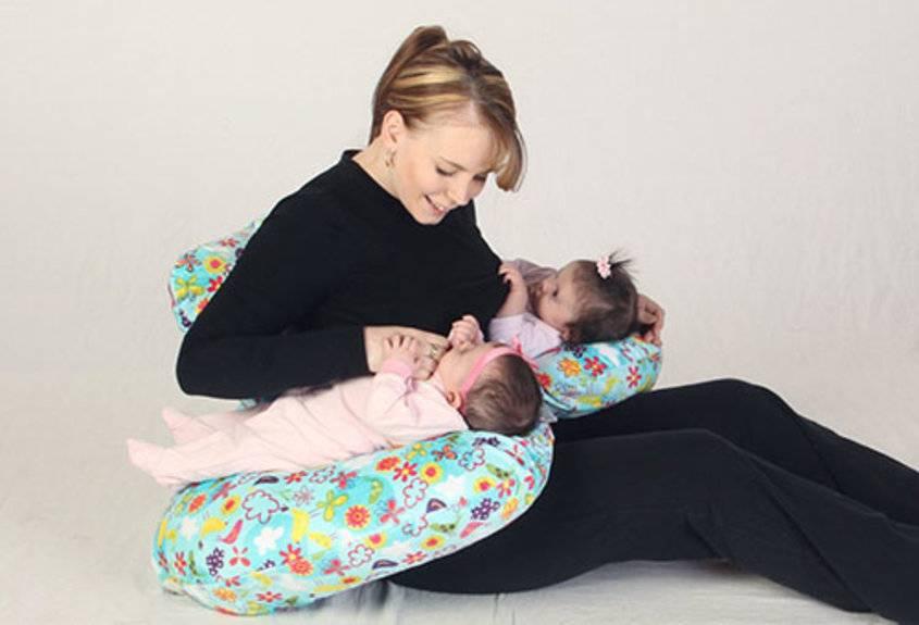 Девочки!подскажите кто как кормит двойняшек грудью?! - запись пользователя лена (zaicevalena) в сообществе многоплодная беременность в категории кормление и уход за малышами - babyblog.ru