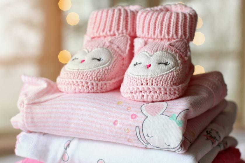 Тонкости выбора одежды для новорожденных по размерам