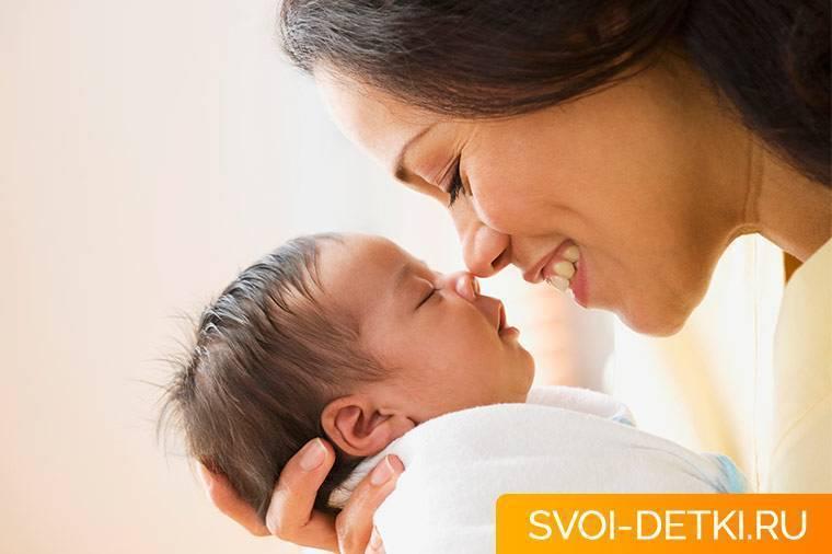 Что делать, если у новорожденного трясется нижняя губа?