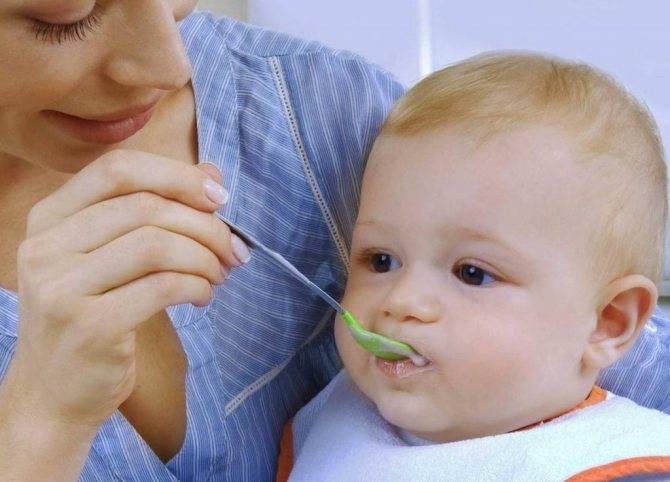 Диспансеризация детей: каких врачей проходить?