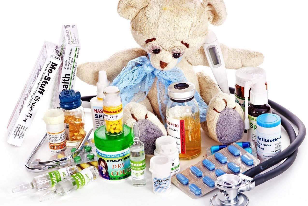 Как дать таблетку или сироп грудному ребенку – инструкция