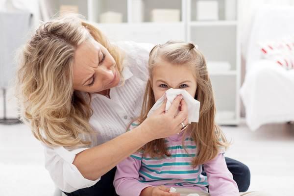 Причины появления вязких соплей у детей