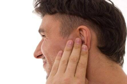 Болит ухо ребенок