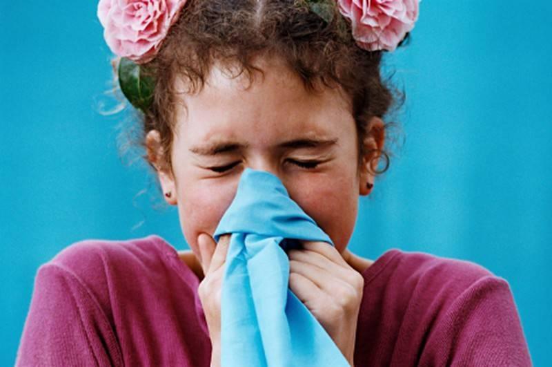 Почему идёт кровь из носа у ребенка и как её правильно остановить + видео