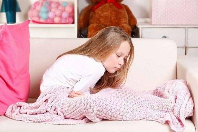 Почему после кормления грудью ребенок часто срыгивает
