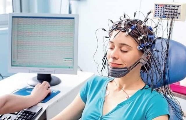 Ээг (электроэнцефалография) головного мозга: суть, как и когда проводят, расшифровка