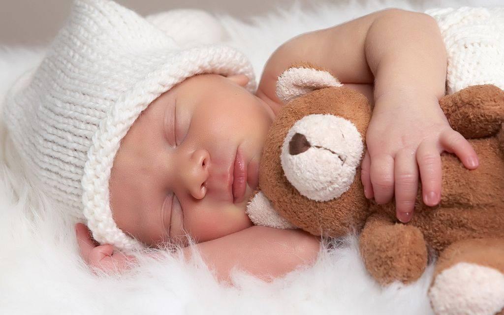 Сколько раз должен дышать ребенок в минуту во сне