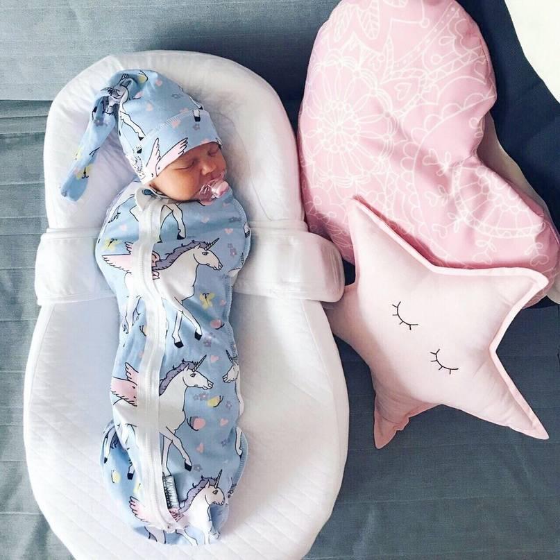 Можно ли новорожденному спать на спине — особенности и позы