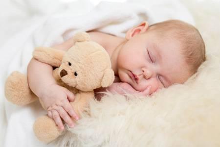 Новорожденный: ест, спит, прибавляет в весе… сколько?