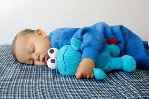 Что делать, если ребёнок перепутал день с ночью