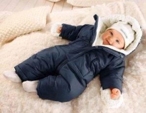 Подскажите что выбрать для новорожденного комбез или конверт на зиму???