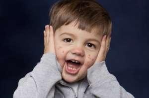 Сыпь на теле у ребенка без температуры без зуда: на животе и спине, на ногах