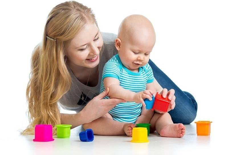 Как развивать ребенка в 1 месяц в домашних условиях